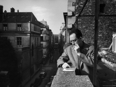 albert-camus-smoking