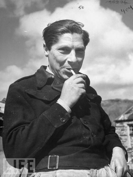 arthur-koestler-smoking