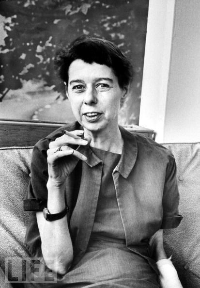 carson-mccullers-smoking