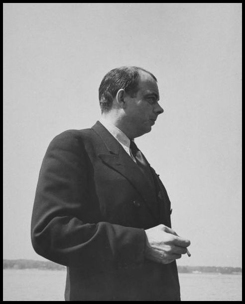Antoine de Saint-Exupéry Smoking